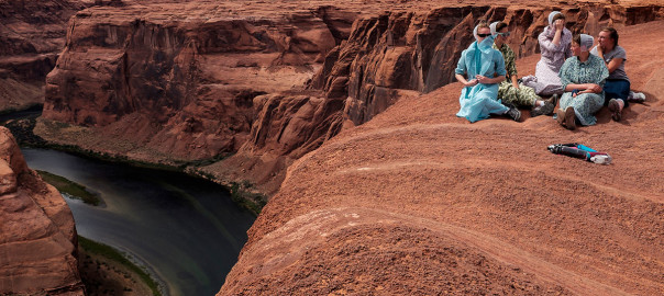Women at Horseshoe Bend - Arizona